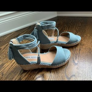 Girls Steve Madden wedge shoes